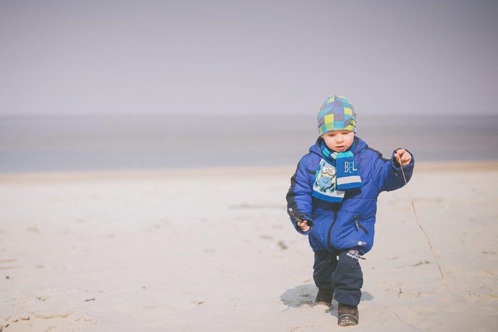 09e045d20d94eb No dobrze, to mamy na zdjęciu już morze, piasek i jakiegoś 'mnie'. To jak  to teraz ująć, żeby było dobrze? Na pewno kilometr piasku pod nogami i  kilometr ...